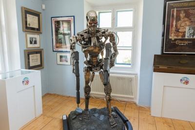 arnold schwarzenegger museum graz american supps