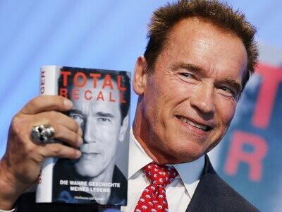 Arnold Schwarzenegger präsentiert sein Buch Total Recall auf der Frankfurter Buchmesse American Supps